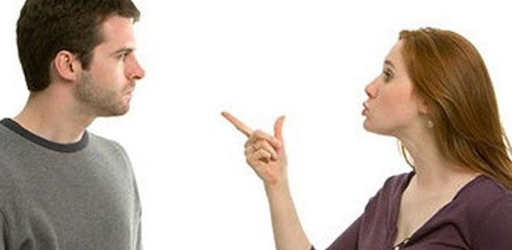 Desconfiança acaba relacionamento?