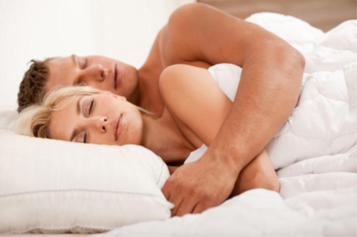 Opiniões Masculinas: Dormir de Conchinha