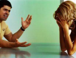 Os problemas que podem ocorrer quanto ele tem ciúmes do seu ex