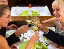 Como se comportar ao conhecer os pais do namorado