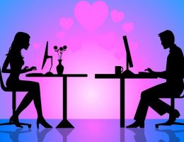casal no computador