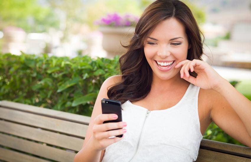 Vantagens e Desvantagens de Usar Celular para Conhecer Alguém