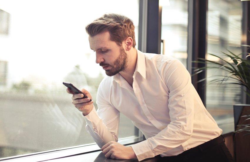 4 Dicas para ter um perfil irresistível em aplicativos de paquera