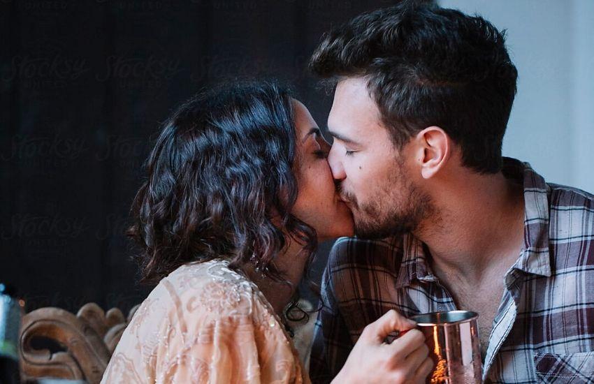 Como dar um beijo com pegada