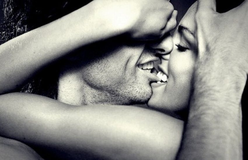 beijo com mordida