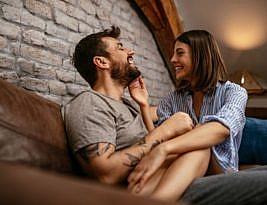 6 sinais de que seu ex ainda gosta de você